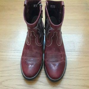 Ariat Shoes - Ariat Billie Cowboy Boots.  Size 8.5